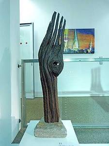 Artefakt kleine Holzskulptur