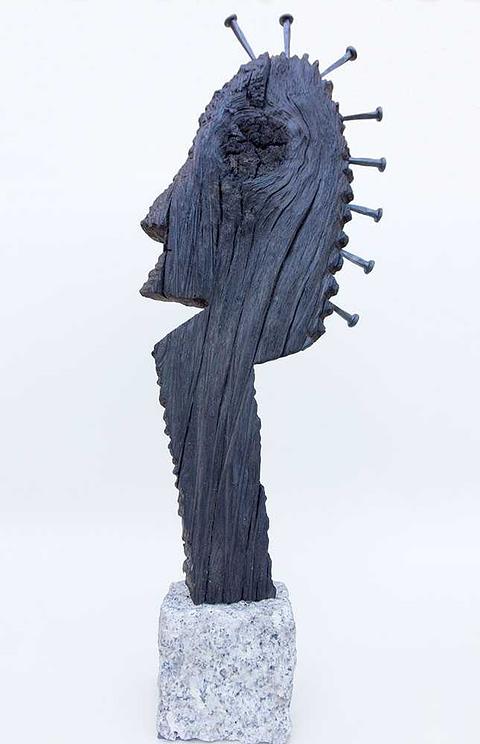 kleine Skulptur aus Mooreiche