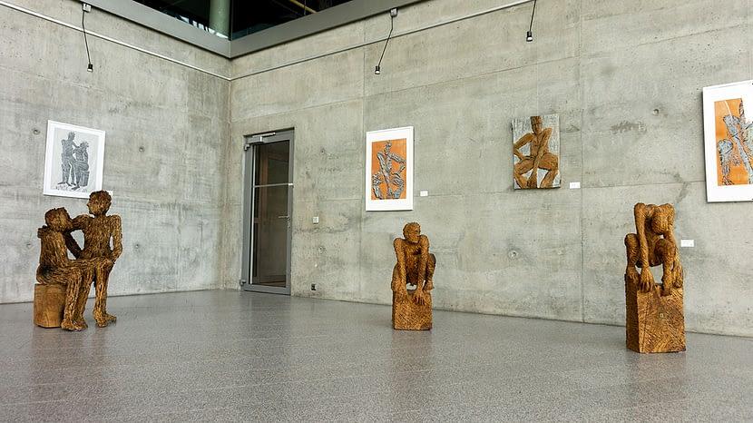 Skulpturen im MDR Funkhaus