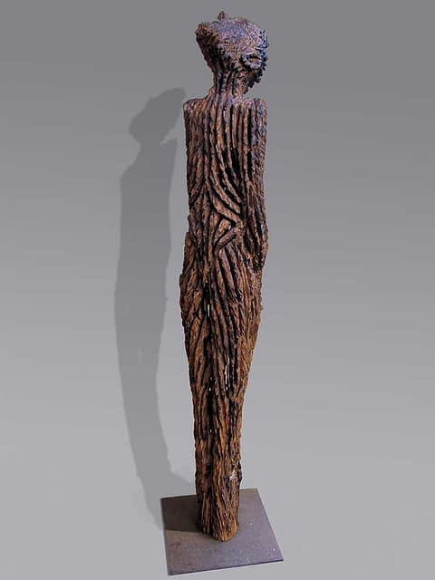 Skulptur aus altem Eichenholz aus der Elbe