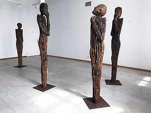 Kunstausstellung Holzskulpturen der Galerie Süd Magdeburg