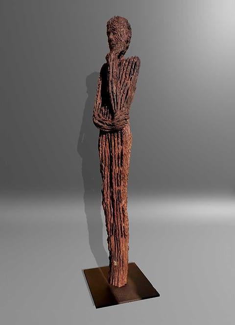 Skulpturen aus historischen Eichenholz